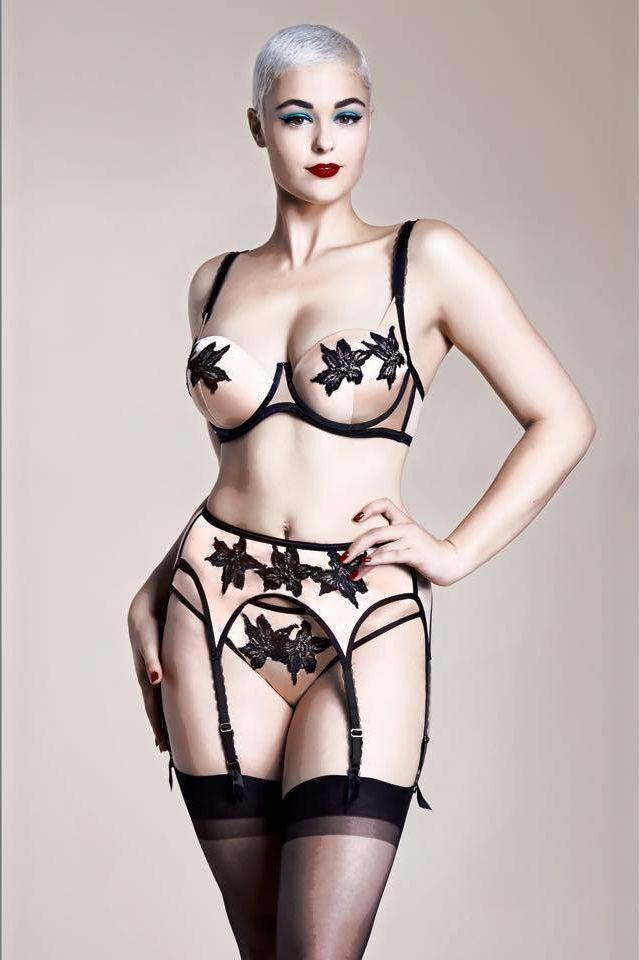 0629564f04a ŽENA-IN - Když sexy žena navrhuje sexy spodní prádlo