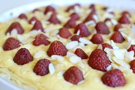 jahodový koláč s rebarborou
