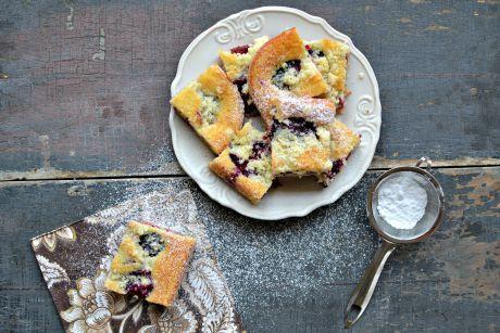 švestkový hrnkový koláč