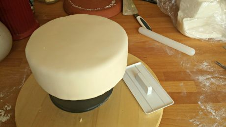 potahovaný dort