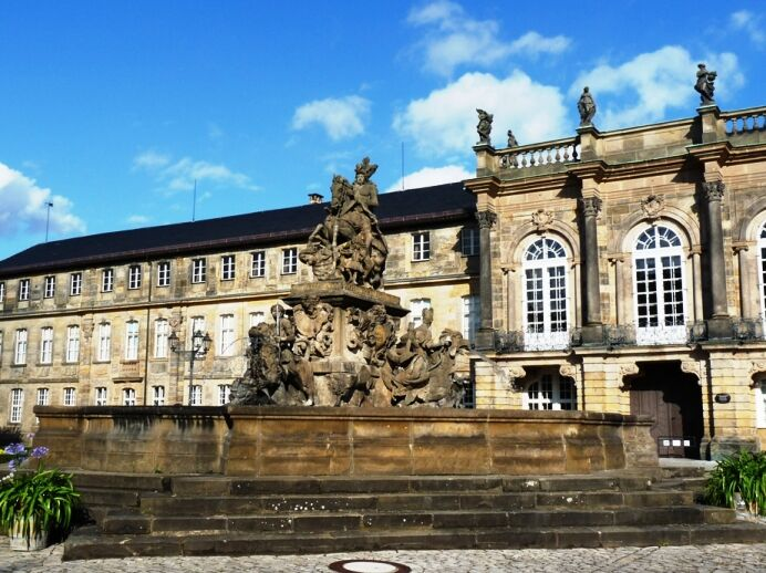 Fontána před novým zámkem v Bayreuthu