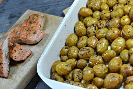brambory s lososem