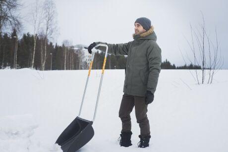 shrnova� sn�hu Fiskars SnowXpert�