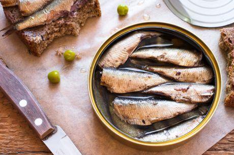 sardinky v konzervě