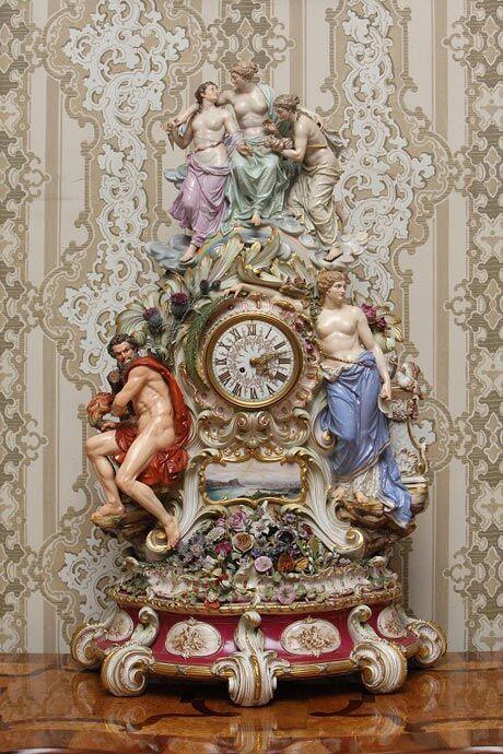 Porcelánové hodiny z Míšně