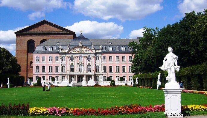 Kurfüřstský palác