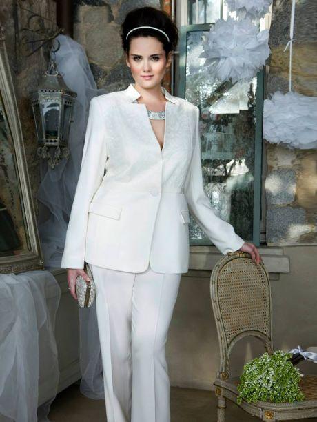 Kalhoty se hodí spíš pro civilnější svatbu ae463c3d48