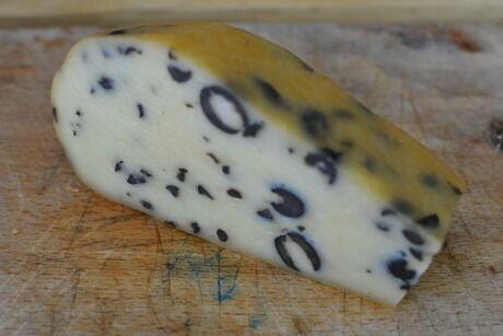 sýr s olivami