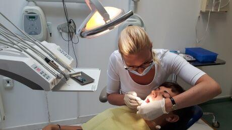 Jana Vrbová, Dis., dentální hygienistka na Klinice GHC Praha.