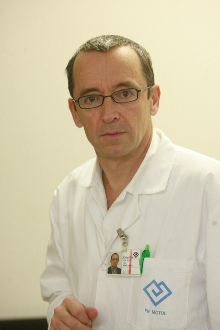 prof. Jan Klozar z Kliniky otorinolaryngologie a chirurgie hlavy a krku z FN Motol