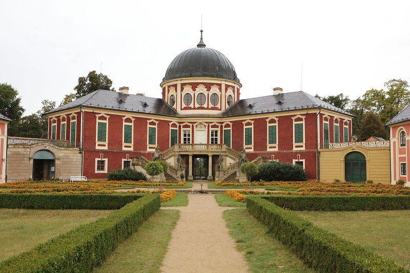 Užijte si podzimní víkendy na zámku Veltrusy