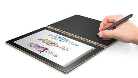 Zena In Lenovo Yoga Book Piste Na Papir Ukladejte Do Tabletu