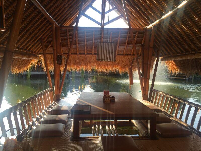 Bale Udang Mang Engking Kuta Restaurant