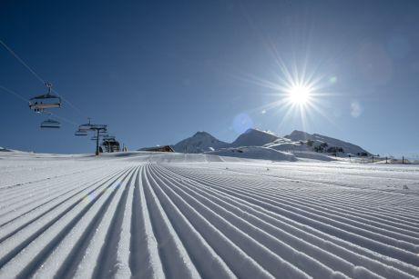 Early morning skiing (c) Zillertal Tourismus - Thomas Straub
