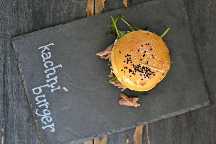 domácí burger s kachním masem