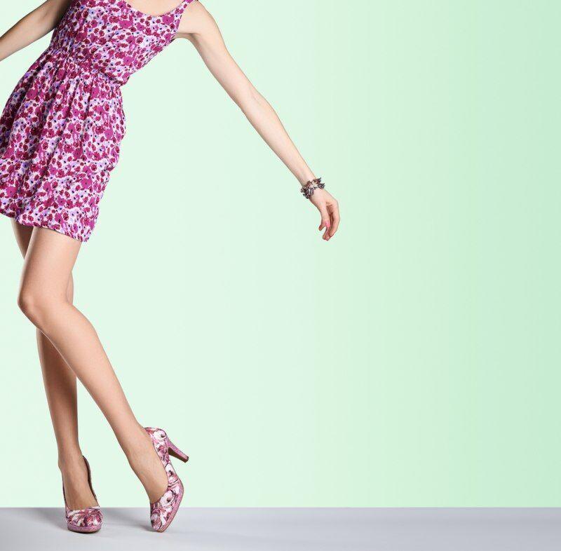 ŽENA-IN - Lákají vás barevné boty 023d9ee692