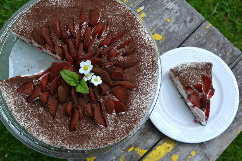jahodový nepečený dort