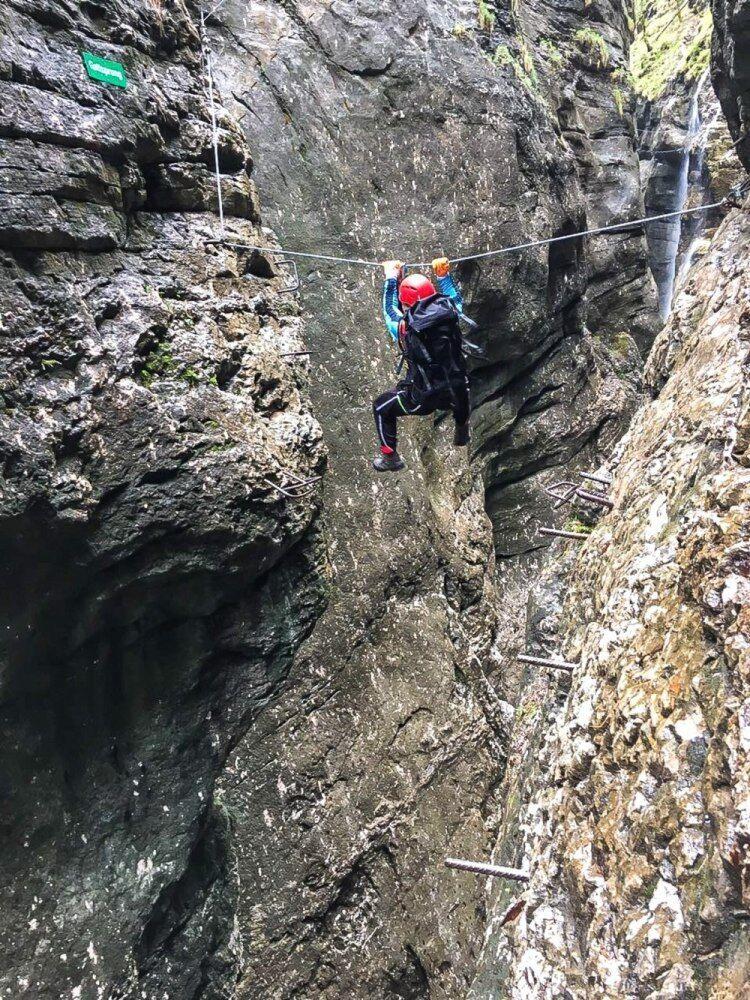 Postalmklamm Klettersteig  - někde si musíte vystačit jen s rukama