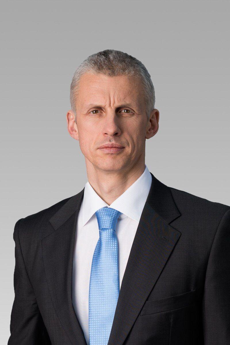 J. Vozár