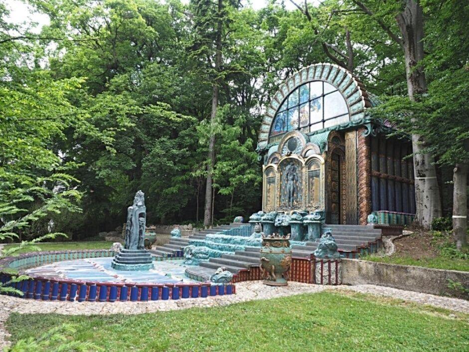Wagnerova vila - fontána v zahradě