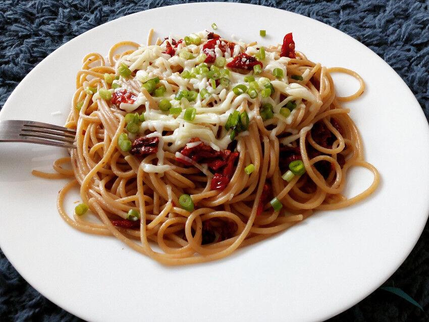 sušená rajčata se špagetami