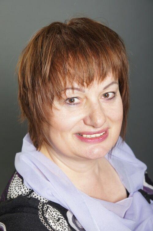 Mgr. Tamara Starnovská