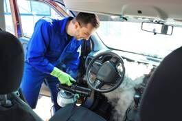 vysávání auta