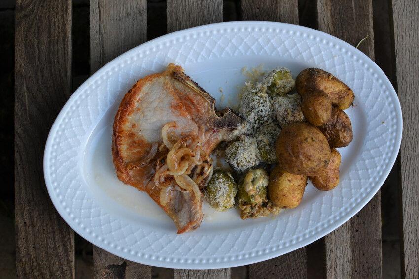 kapustičky, brambory a vepřové maso