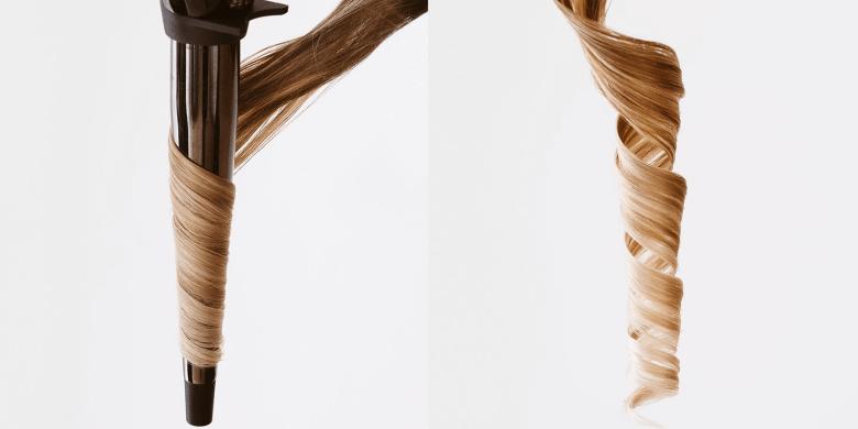 Pramínek po pramínku vlasy natočte pomocí kulmy. Hlavně žádné kroucení!  Pramínky na kulmu natočte naplocho a odshora dolů ke konečkům. 59c8a9abaaa