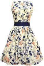 0f83f854a7af Už jste někdy měla na sobě šaty ve stylu padesátých let  Ne  Tak to jste o  hodně přišla. Když se do takových šatů převlečete z džínsů